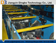 China 3KW hydraulische Power Metal Roofing Ridge Caps Roll Formmaschine mit Absägevorrichtung usine
